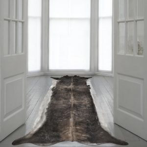 Superlong Stretched Cowhide Natural