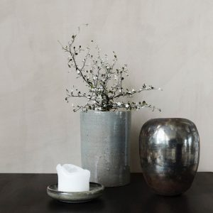 Nocturna mirror vase lifestyle image. Curious Egg.
